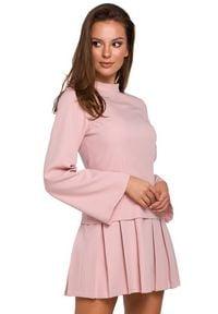 Makover - Elegancka sukienka o nowoczesnym stylowym kroju. Typ kołnierza: kołnierzyk stójkowy. Sezon: lato. Typ sukienki: rozkloszowane. Styl: elegancki. Długość: mini