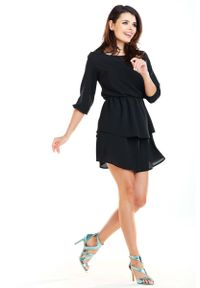 Czarna sukienka wizytowa Awama z falbankami, mini