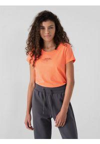 4f - T-shirt regular z nadrukiem damski. Kolor: pomarańczowy. Materiał: bawełna, dzianina. Wzór: nadruk
