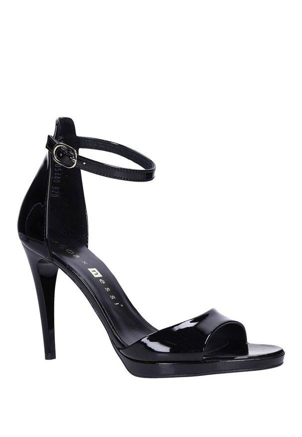 Nessi - Czarne sandały szpilki skórzane lakierowane jacob z paskiem wokół kostki nessi jc022. Zapięcie: pasek. Kolor: czarny. Materiał: lakier, skóra. Obcas: na szpilce