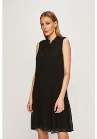 Czarna sukienka DKNY plisowana, na co dzień