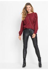 Bluzka shirtowa z wolantami bonprix czerwony kasztanowy. Kolor: czerwony. Materiał: materiał, elastan, bawełna, poliester. Długość rękawa: długi rękaw. Długość: długie. Wzór: ażurowy