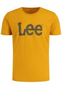 Lee T-Shirt Wobbly Logo Tee L65QFENF Żółty Regular Fit. Kolor: żółty