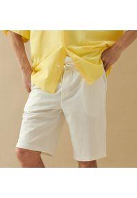 Reserved - Dresowe szorty basic - Biały. Kolor: biały. Materiał: dresówka