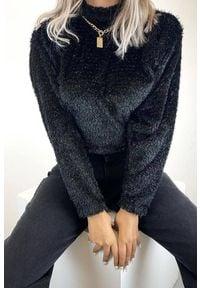 IVET - Bluzka damska VARITA BLACK. Typ kołnierza: golf. Kolor: czarny. Sezon: jesień, zima