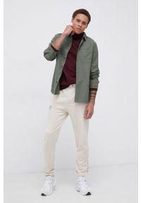 !SOLID - Koszula bawełniana. Typ kołnierza: kołnierzyk klasyczny. Kolor: zielony. Materiał: bawełna. Długość rękawa: długi rękaw. Długość: długie. Styl: klasyczny