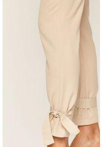 Spodnie materiałowe Vero Moda