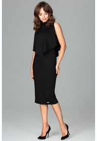 Lenitif - Dopasowana sukienka midi z doszytą pelerynką czarna. Kolor: czarny. Typ sukienki: ołówkowe, dopasowane. Styl: elegancki. Długość: midi