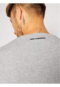 Karl Lagerfeld - KARL LAGERFELD T-Shirt Crewneck 755080 502224 Szary Regular Fit. Typ kołnierza: dekolt w karo. Kolor: szary