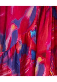 COSEL - Wzorzysta sukienka Portoryko. Kolor: wielokolorowy, różowy, fioletowy. Materiał: materiał. Długość rękawa: na ramiączkach. Typ sukienki: rozkloszowane. Długość: maxi