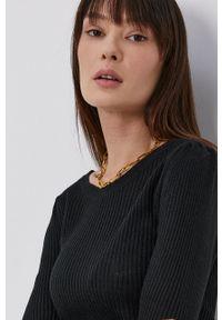 Jacqueline de Yong - Sweter. Kolor: czarny. Materiał: dzianina. Długość rękawa: długi rękaw. Długość: długie