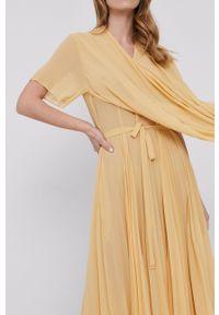 Samsoe & Samsoe - Samsoe Samsoe - Sukienka. Kolor: żółty. Materiał: poliester. Długość rękawa: krótki rękaw. Typ sukienki: plisowane #3