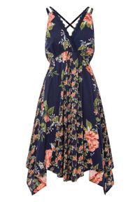 Sukienka midi z asymetryczną linią dołu bonprix ciemnoniebieski w kwiaty. Kolor: niebieski. Długość rękawa: na ramiączkach. Wzór: kwiaty. Typ sukienki: asymetryczne. Długość: midi