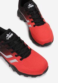 Born2be - Czerwono-Czarne Buty Sportowe Orphertes. Kolor: czerwony