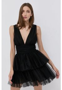 Elisabetta Franchi - Sukienka. Kolor: czarny. Materiał: dzianina. Typ sukienki: rozkloszowane