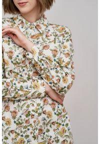 Marie Zélie - Sukienka Eliza Sonata kremowa. Kolor: kremowy. Materiał: bawełna, wiskoza. Długość rękawa: długi rękaw. Typ sukienki: szmizjerki. Styl: klasyczny