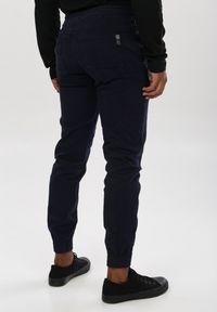 Niebieskie spodnie Born2be