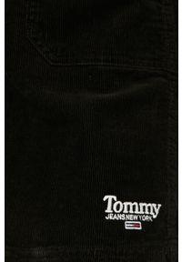 Czarna sukienka Tommy Jeans prosta, na co dzień