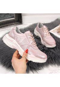 Różowe buty sportowe Filippo w ażurowe wzory