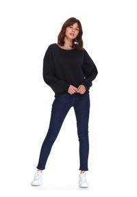 TOP SECRET - Bluza damska nierozpinana z aplikacją. Okazja: na co dzień. Kolor: czarny. Materiał: jeans. Wzór: aplikacja. Sezon: wiosna. Styl: klasyczny, casual