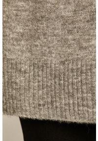 medicine - Medicine - Sweter Basic. Kolor: szary. Materiał: dzianina. Wzór: gładki