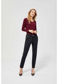 MOODO - Spodnie cygaretki z ozdobną gumą w pasie. Materiał: guma. Długość: długie. Wzór: gładki
