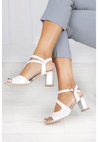 Srebrne sandały Casu