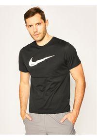 Czarna koszulka sportowa Nike do biegania