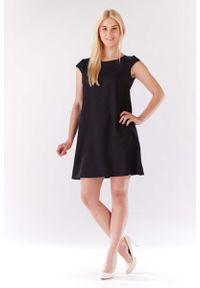 Lou-Lou - Czarna Sukienka Zwiewna Trapezowa z Mini Rękawkiem. Kolor: czarny. Materiał: len, poliester. Długość rękawa: krótki rękaw. Typ sukienki: trapezowe. Długość: mini