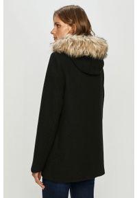 Czarny płaszcz Vero Moda z kapturem