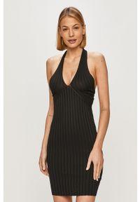 Czarna sukienka Guess gładkie, na ramiączkach, casualowa