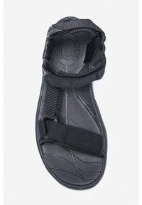 Czarne sandały Teva z okrągłym noskiem, na rzepy