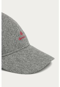 Szara czapka z daszkiem GANT