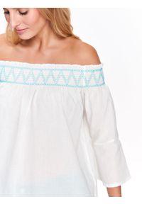Biała bluzka TOP SECRET casualowa, długa, z haftami, na co dzień