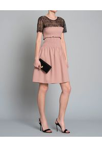 Pinko - PINKO - Sukienka z koronkową górą. Okazja: na co dzień. Kolor: beżowy. Materiał: koronka. Wzór: koronka. Typ sukienki: proste, rozkloszowane. Styl: elegancki, casual