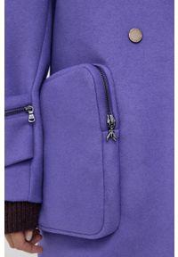 Patrizia Pepe - Płaszcz wełniany. Kolor: fioletowy. Materiał: wełna. Styl: klasyczny