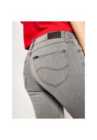 Szare jeansy slim Lee