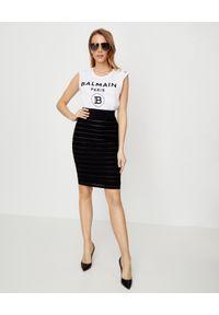 Balmain - BALMAIN - Ołówkowa spódnica logo. Kolor: czarny. Długość: długie. Wzór: aplikacja. Styl: klasyczny