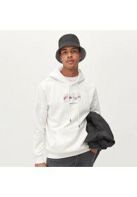 Reserved - Bluza z kapturem - Biały. Typ kołnierza: kaptur. Kolor: biały