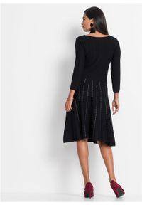 Sukienka dzianinowa w paski bonprix czarno-biel wełny. Kolor: czarny. Materiał: dzianina, materiał, poliester, wełna, wiskoza. Wzór: paski