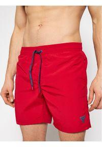 Guess Szorty kąpielowe F02T01 TEL27 Czerwony Regular Fit. Kolor: czerwony