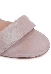 Różowe sandały Eksbut