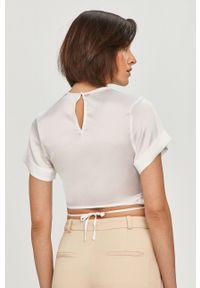 Biała bluzka Guess krótka, casualowa