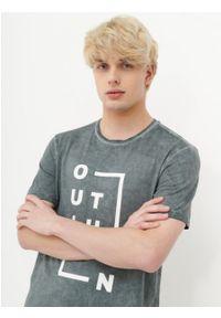 outhorn - T-shirt z nadrukiem męski. Materiał: bawełna, jersey, materiał. Wzór: nadruk