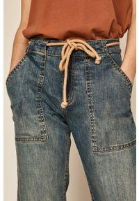 Niebieskie proste jeansy medicine