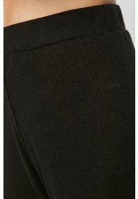 Czarne spodnie dresowe Brave Soul