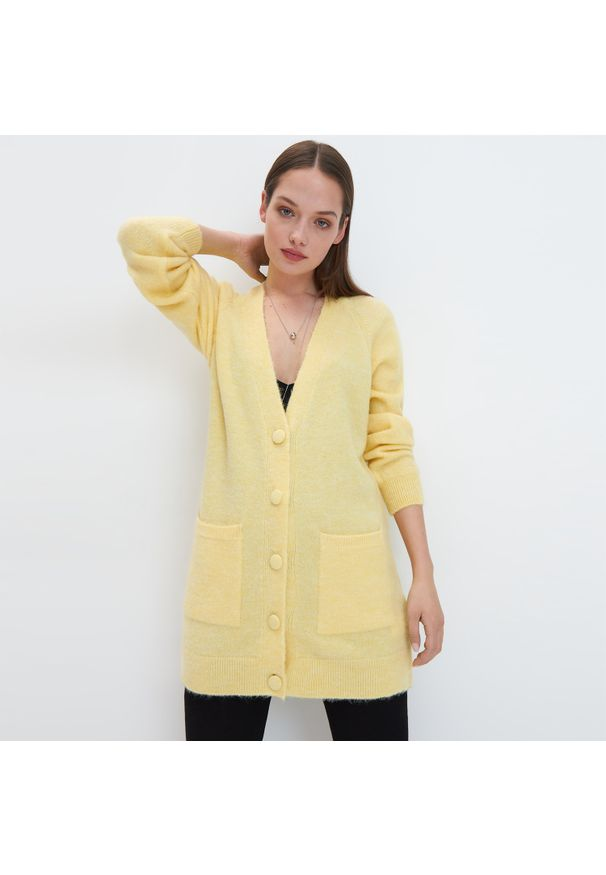 Żółty sweter Mohito plus size