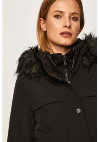 Czarna kurtka DKNY z kapturem, casualowa, na co dzień