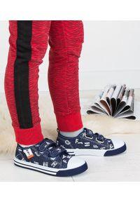 UNDERLINE - Trampki dziecięce Underline 61B1906 Granatowe. Zapięcie: rzepy. Kolor: niebieski. Materiał: tkanina, skóra, guma