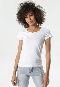 Born2be - Biały T-shirt Nysalphia. Kolor: biały